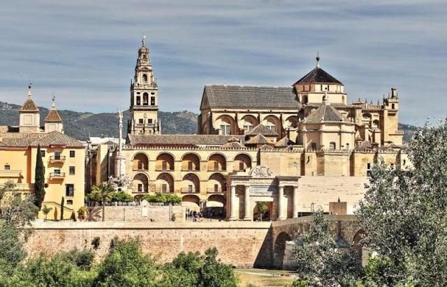 Mesquita e Catedral de Córdoba na Espanha