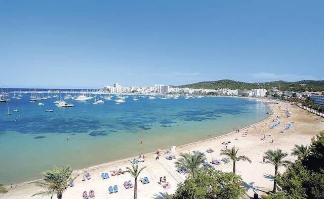 Tempo de avião até Ibiza