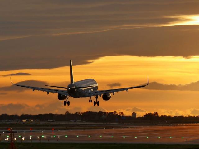 Como achar passagens aéreas muito baratas para Ibiza
